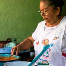 oaxaca_cookingtraditionaloaxacanmoleestofado